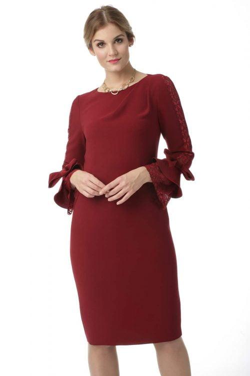 Sukienka z rękawem wykończonym koronką i kokardą w kolorze burgundu Ingrid